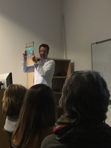 Andrew Page showing Glass Quarterly to students!
