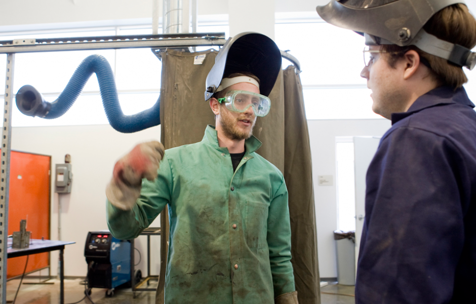 students mingle in sculpture department