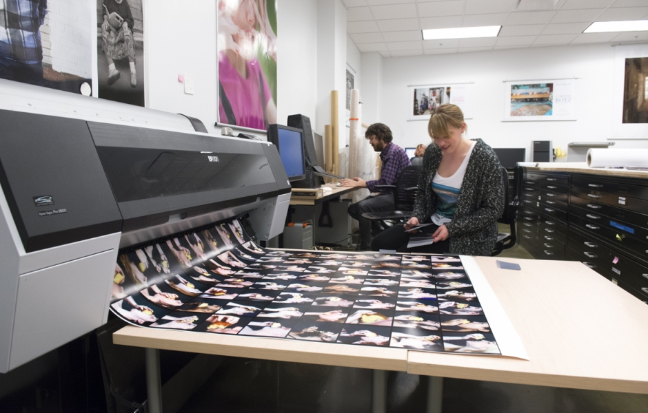student printing in photo lab